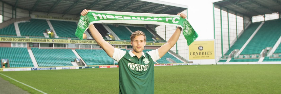 GUNNARSSON SIGNS FOR HIBERNIAN