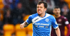 HIBERNIAN SIGN DANNY SWANSON ON PRE-CONTRACT