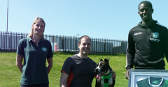 MARVIN BARTLEY VISITS RECENTLY REHOMED STAR
