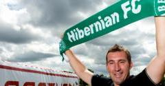 STUBBS AND HIS COACHES COMMIT TO HIBERNIAN