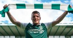 INSALL SIGNS WITH HIBERNIAN